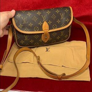 Louis Vuitton Sac Gibeciere pm vintage cro…